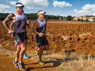 runners can enjoy a holiday in Tuscany doing sports. spend a holiday in Italy running, tasting Italian food